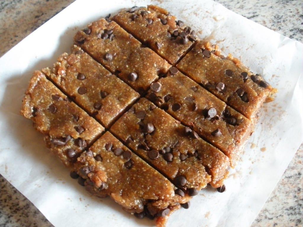 "Chocolate Chip Cookie Dough \""Larabar\"" – fastPaleo"