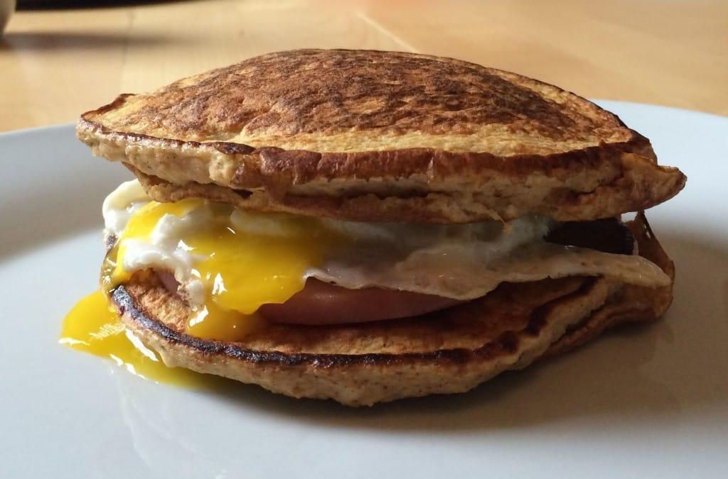 Keto Pancake Breakfast Sandwich (WITH NUTRITION INFO ...  |Bacon Pancakes Sandwich